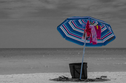 nikond7000 urban landscape lightroomcc seascape bgdl odc florida umbrella lidobeach starmandscircle selectivecolour