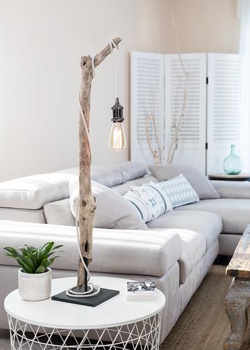 Lampe en bois flotté ambiance et nature