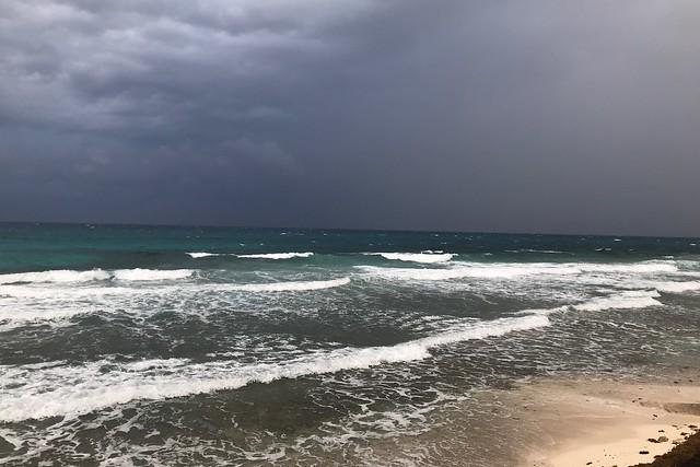 金, 2018-03-09 18:27 - 荒れ模様の海