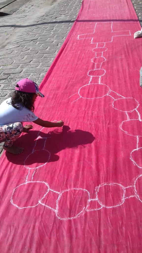 Confecção de tapetes mantém a tradição no feriado de Corpus Christi em Prado (21)