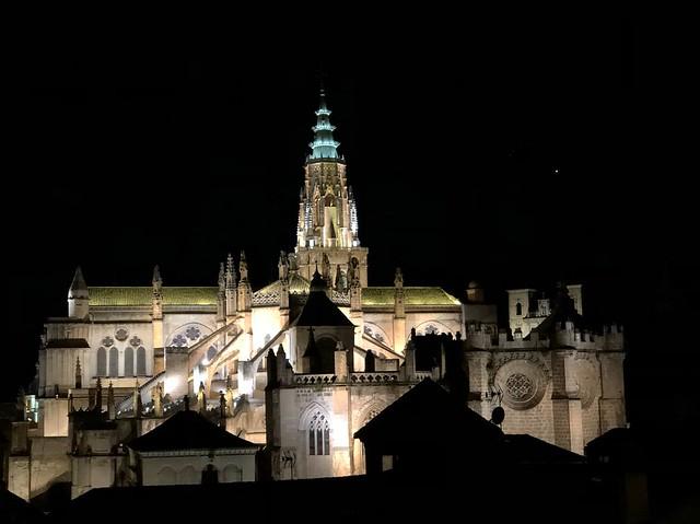 Toledo, la Catedral, por la noche