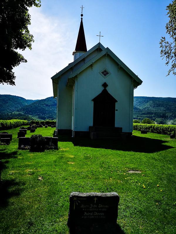 31-Komnes kirke