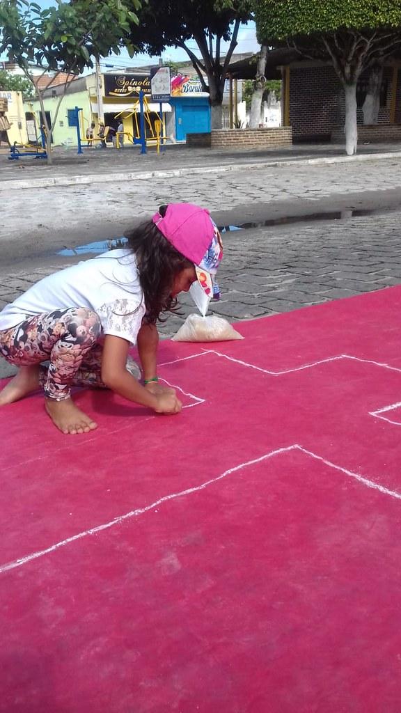 Confecção de tapetes mantém a tradição no feriado de Corpus Christi em Prado (19)