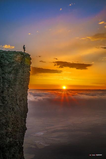 Soledad y amanecer sobre la Sakana