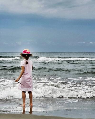 The beach #beach #hat #beauty #love #mylittlebabygirl #kid #play #fun #love #summer #sand #sea #cloud #sky #cloudy #igers #igersitalia #picoftheday #bestoftheday | by Mario De Carli
