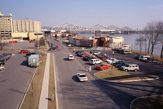 a1c022: Riverside Drive east of Clark Bridge, Jeffersonville, Indiana