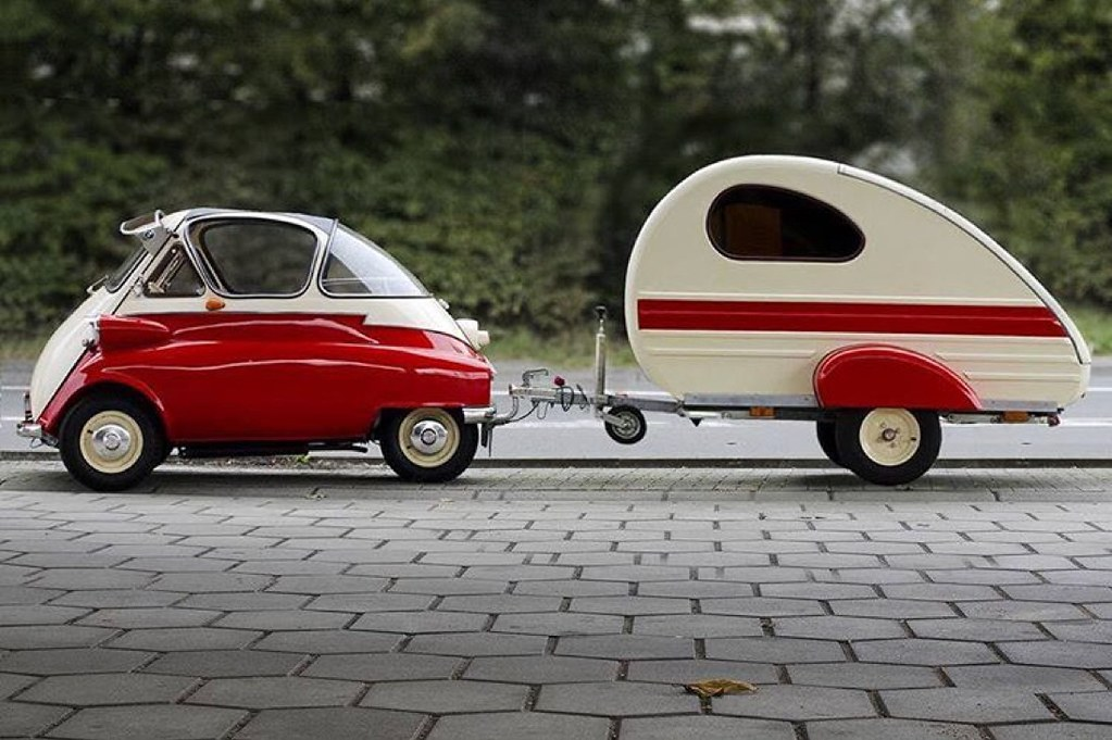 1955 Isetta 300 | In 1955, the BMW Isetta became the world's
