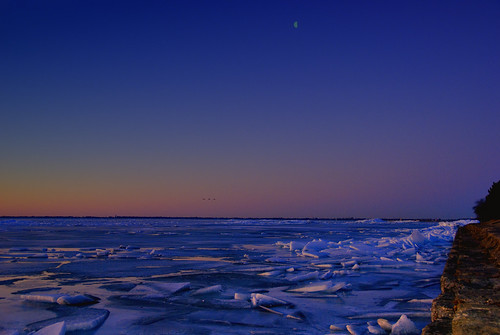 ocean sunset moon lake ice water sunrise river twilight bravo michigan explore shore icy saintclairshores lakesaintclair interestiness bigfave abigfave