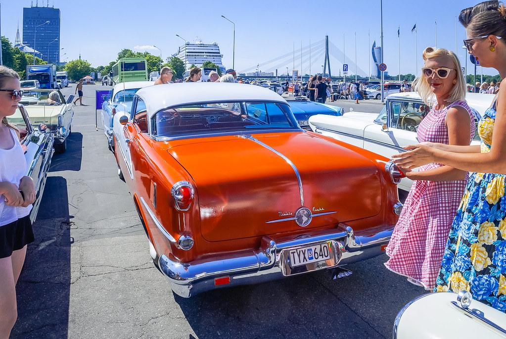Great car 1951 Oldsmobile Ninety-Eight  11:26:03 DSC_8855