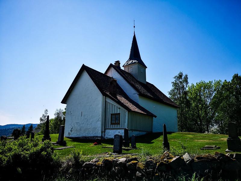 42-Skoger gamle kirke