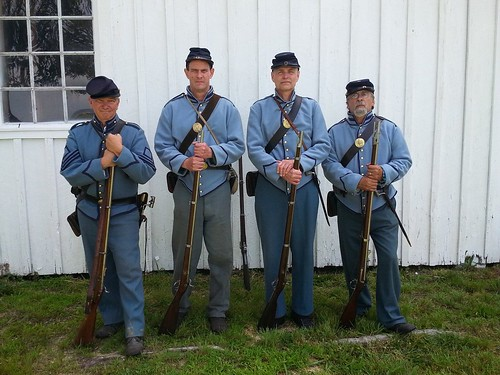Photo of living historians in Civil War era uniforms