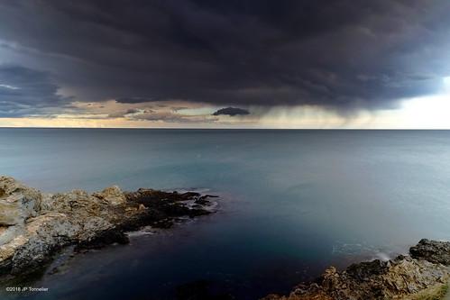 soir nuage averses mer méditerranée banyuls pyrénéesorientales france xe1 fuji fujifilm fujixf1855mmf284r paysage