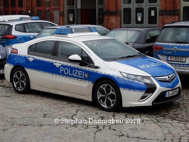Elektro-EWA -Opel Ampera- Polizei Berlin