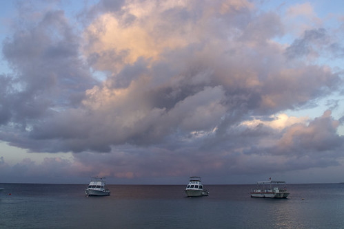 sky clouds sunrise bonaire caribbean marine tropical sea