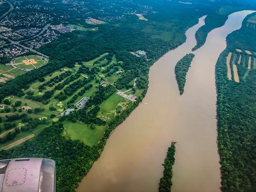 sterling virginia unitedstates us aerial view potomac river upon landing washingtondulles iad airport chantilly va maryland md water