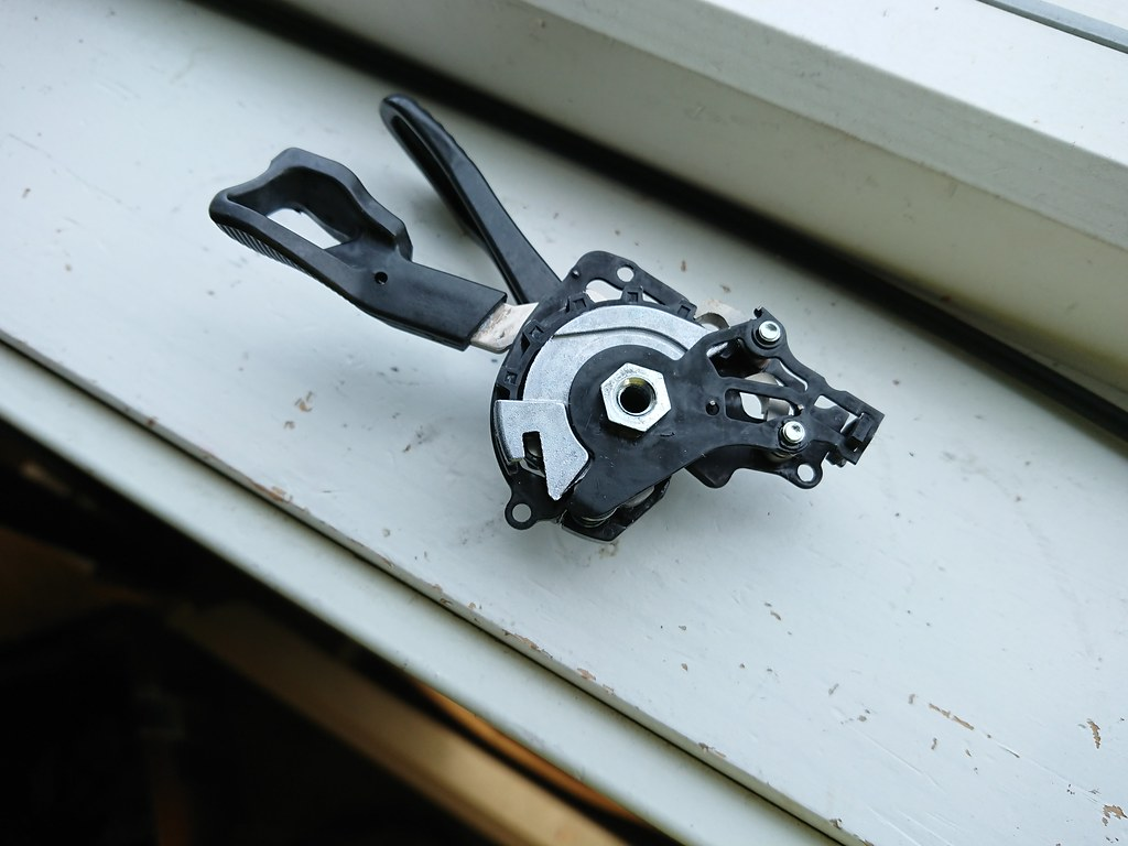 Shimano XTR M9000 trigger mehcanism_4776