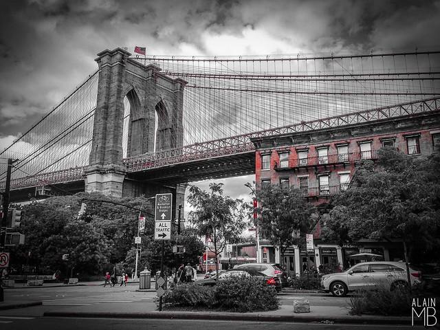 Brooklyn  #HotDog #AlainMontillaBello #Autumn2017 #365PhotoChallenge #iPhonePhotography #NewYork #NuevaYork #City #Usa #America #Manhattan #dumbobrooklyn #Walking #ilovenyc #NYC #NewYorkCity #NYCity #ILoveNY #Street #Broadway #DumboBrooklynBrooklynBridge