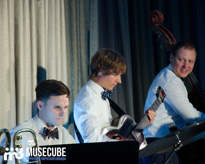 Большой джазовый оркестр-054
