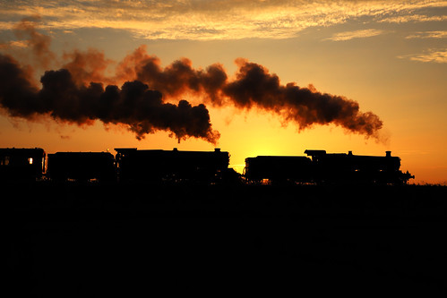 summer 2018 june pilot 460 photocharter preservation gloucestershire steamy steam smoke exhaust passenger vintage heritage dusk evening steamtrain blueking geotagged uksteam sky canon trip travel gloucestershireandwarwickshirerailway 7820 dinmoremanor silhouette 6023 kingedwardii railwayphotography laverton 30742photocharters sunset doubleheader greatwestern gwr kingclass manorclass preservedrailway light explore flickr railroad rails tracks train locomotive