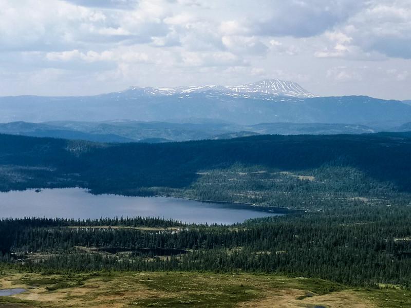 22-Utsikt mot Sørkje og Gaustatoppen fra Senhovd