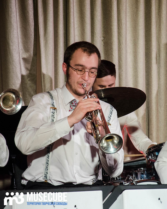 Большой джазовый оркестр-029