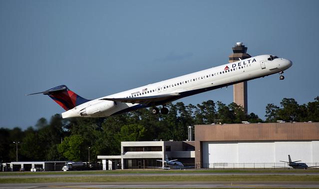 Delta Air Lines McDonnell Douglas MD-88