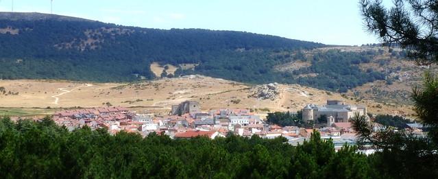 Vista desde el pinar. Las Navas del Marqués (Ávila)