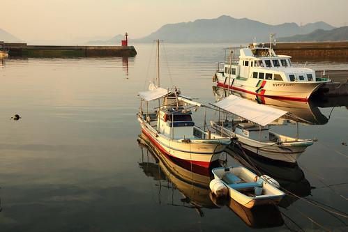 sunrise sea japan japon hiroshima port fishingboat harbor takehara morning sun landscape tadanoumi 広島県 竹原 忠海 漁港 太陽 日の出 朝日 朝 海 日本 瀬戸内海 setoinlandsea 風景 seascape