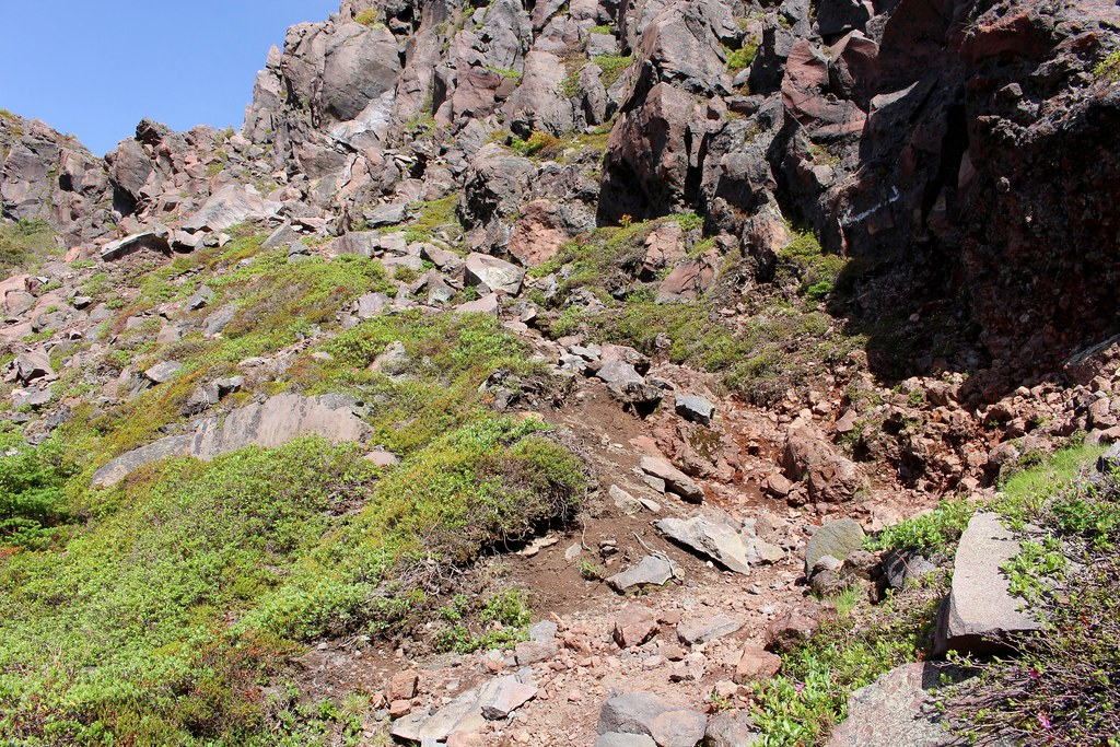 on the Trail for going down into Yunotaira Caldera by way