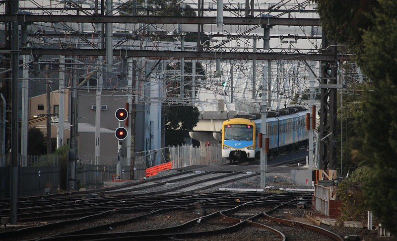 Skyrail driver training - a 3-car Siemens train leaves Caulfield towards Oakleigh, Sat 16/6/2018