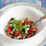 Erdbeer-Gurkensalat