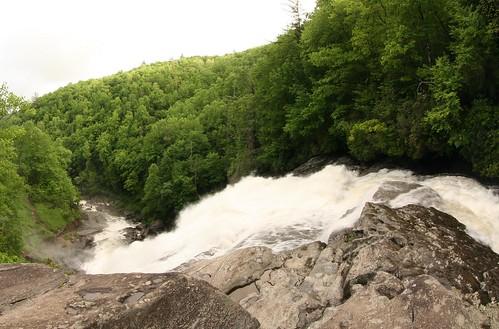 rainbowfalls horsepastureriver nc northcarolina spray mist gorgesstatepark river