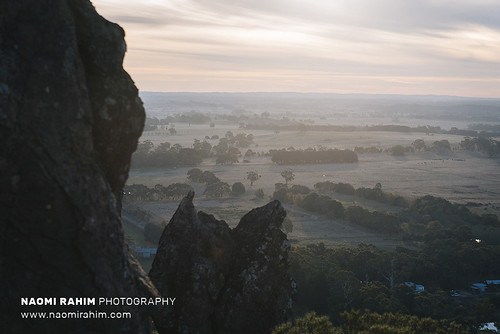 hangingrock sunset victoria australia woodend 2018 nikon nikond750 travel nature hike rocks mountain rural trees winter roadtrip