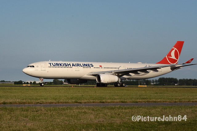 TK1954 Turkish Airlines Airbus 330 (TC-JNM) departing from Schiphol Amsterdam to Istanbul Atatürk