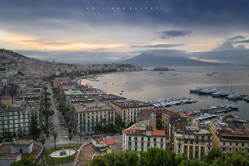 sky cielo alba sunrise napoli naples dawn city città italia italy vesuvio vesuvius clouds nuvole sea mare posillipo nikon d3100