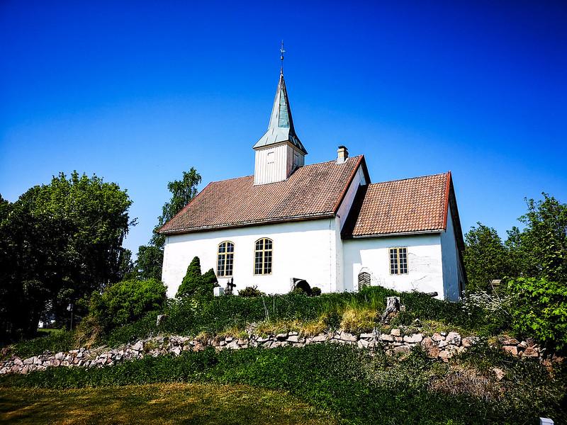 47-Skoger gamle kirke