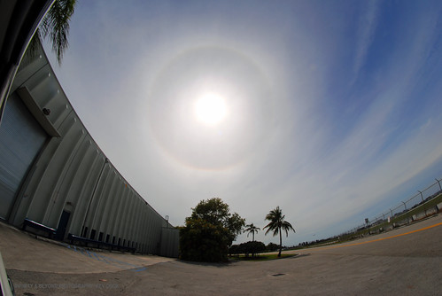 sun solar halo sundog cirrus clouds sky skies 8mm samyang fisheye