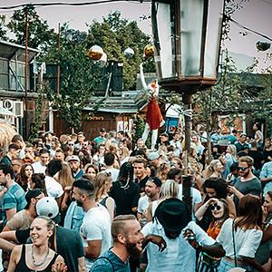 bambule,berlin,party,club,night,birgitundbier,birgit,bier,hip hop,bambule soundsystem,marty mcfly,ozzy brown,pop,rnb,hiphopberlin,dj,djane,openair,samstag,feierrei,ausgehen,abend | by Bambule BLN