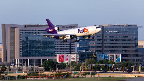 minneapolisstpaulinternationalairport msp kmsp mspairport aviation avgeek airplane n368fe fedex dc10 md10 md1010f md10f fdx1407 landing sunrise mallofamerica