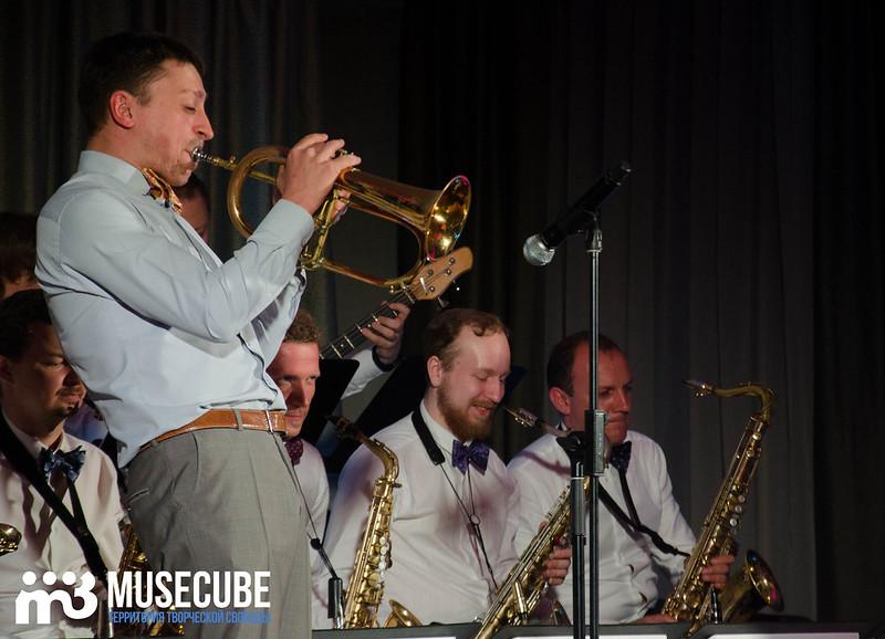 Большой джазовый оркестр-063