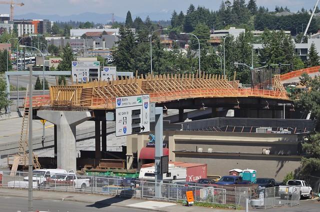 Link construction over I-405
