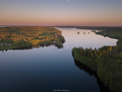 suomi finland laukaa kuusaa sunset sky moon water reflections calm evening summer dji mavic pro fc220 nature landscape aerial drone photography forest trees amazing europe view