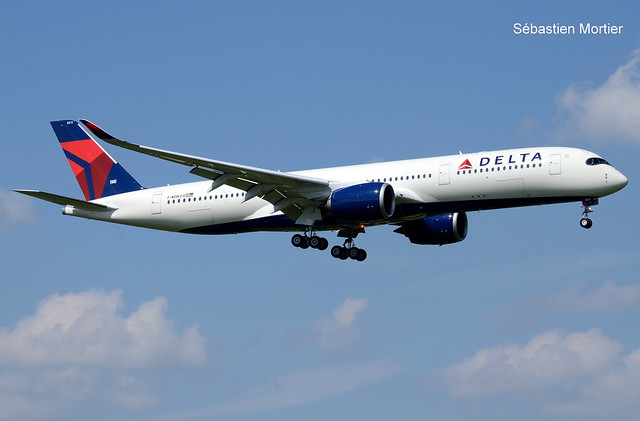 350.941 DELTA AIRLINES F-WZNE 210 TO N511DN 23 05 18 TLS