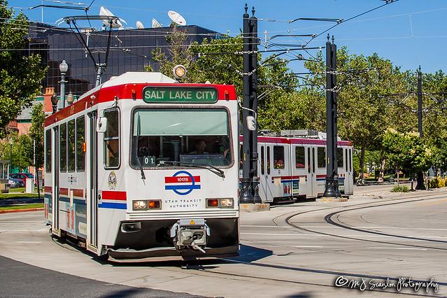 UTA 1017 |  Seimens SD-100 LRV | TRAX Blue Line