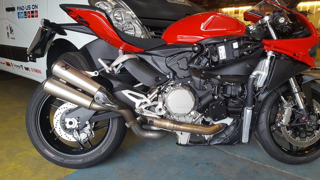 Ducati 959 Panigale de-cat (1)