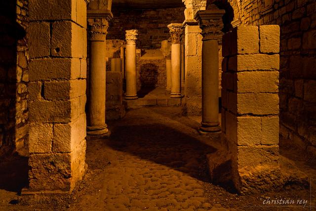 Crypte carolingienne de Flavigny-sur Ozerain (France)