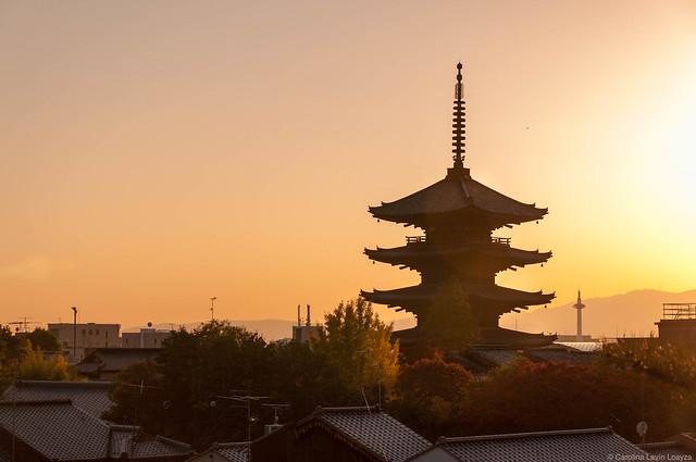 Pagoda Yasaka 02