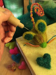 Making a woolly mouse with a felting needl | by herbe_d