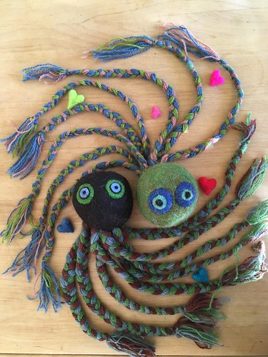 we are making an octopus out of yarn and wool fibers! | by herbe_d