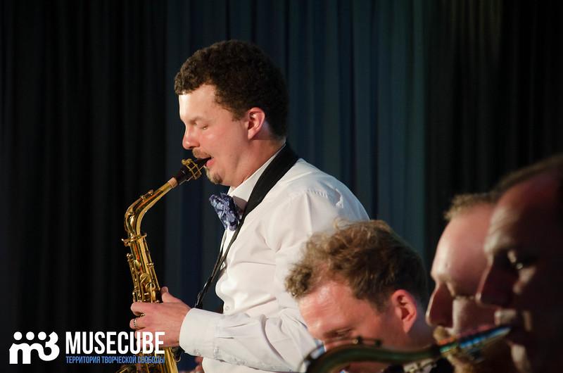 Большой джазовый оркестр-041